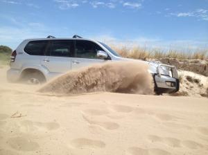 4wd-training-through-sand-dunes-e1400034265540