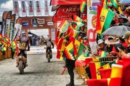 03 PRICE Toby (aus) KTM and 47 BENAVIDES Kevin (arg) HONDA ambiance during the Dakar 2016 Argentina Bolivia, Etape 5 - Stage 5, Jujuy - Uyuni on January 7, 2016 in Bolivia - Photo Andre Lavadinho / A Vialatte / At World
