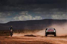 90 BONY Bruno (fra) KTM action and 302 PETERHANSEL Stephane (fra) COTTRET Jean Paul (fra) PEUGEOT action during the Dakar 2016 Argentina Bolivia, Etape 5 - Stage 5, Jujuy - Uyuni on January 7, 2016 in Bolivia - Photo Andre Lavadinho / A Vialatte / At World