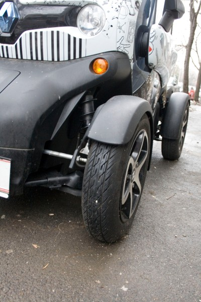 Renault Twizy front wheel WRCRallyPress