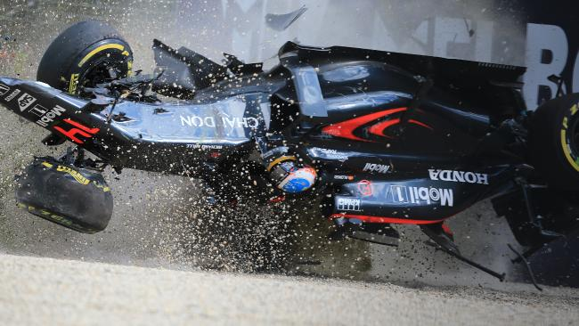 Rosberg castiga la Melbourne, intr-o cursa marcata de accidentul lui Alonso