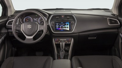 2017-Suzuki-S-Cross-facelift-interior-at-Sao-Paulo-Auto-Show