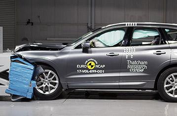 Skoda Karoq, Volvo XC60 si Mazda CX-5, 5 stele la EuroNCAP