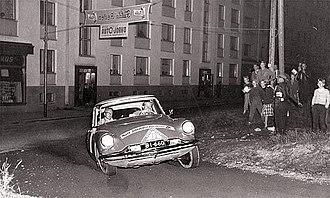 330px-timo_korpivaara_-_1956_rally_finland